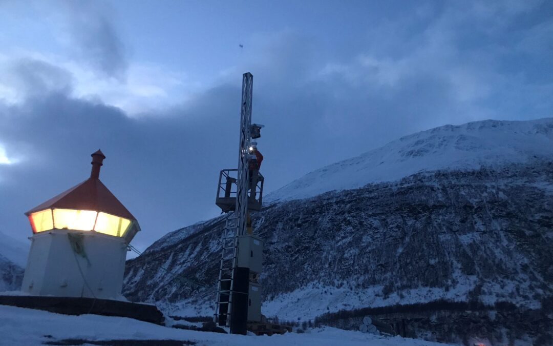 Radar for skreddeteksjon og stenging av vei